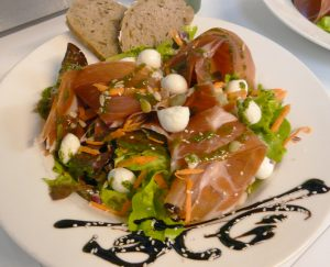 Salade Serrano Mozzarella